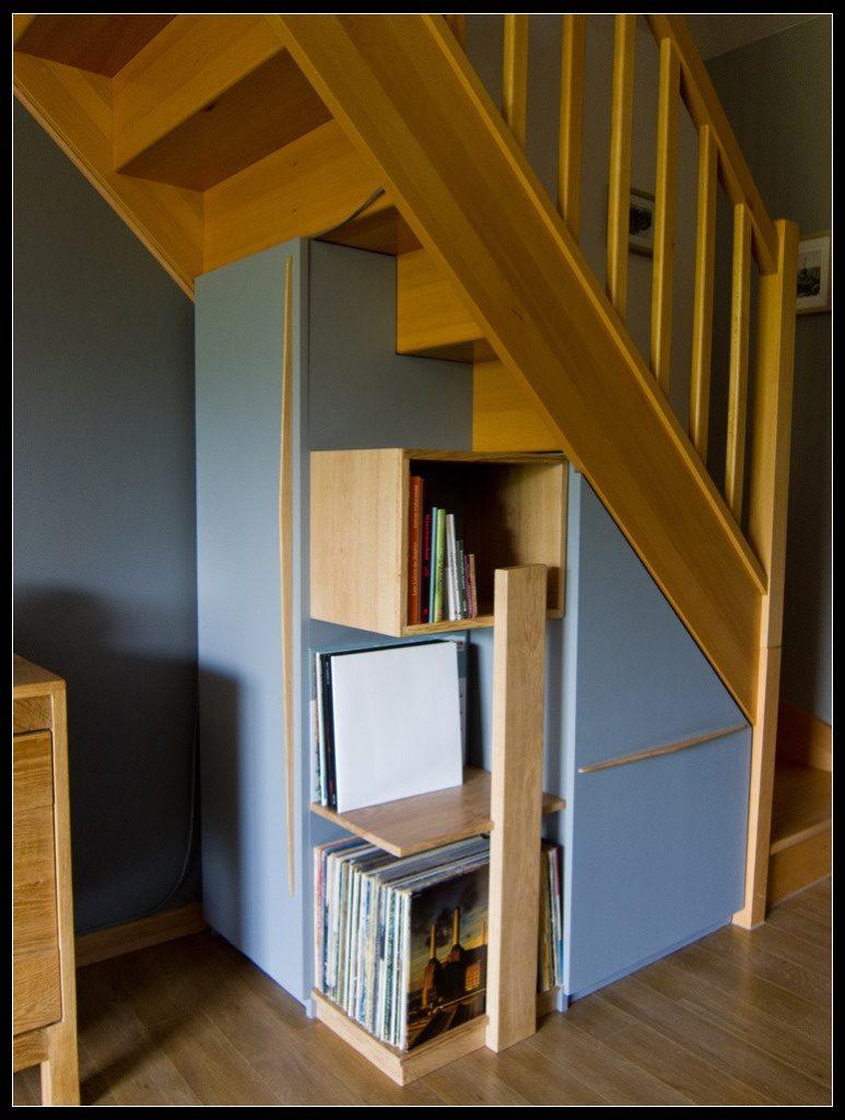 etagere sous escalier