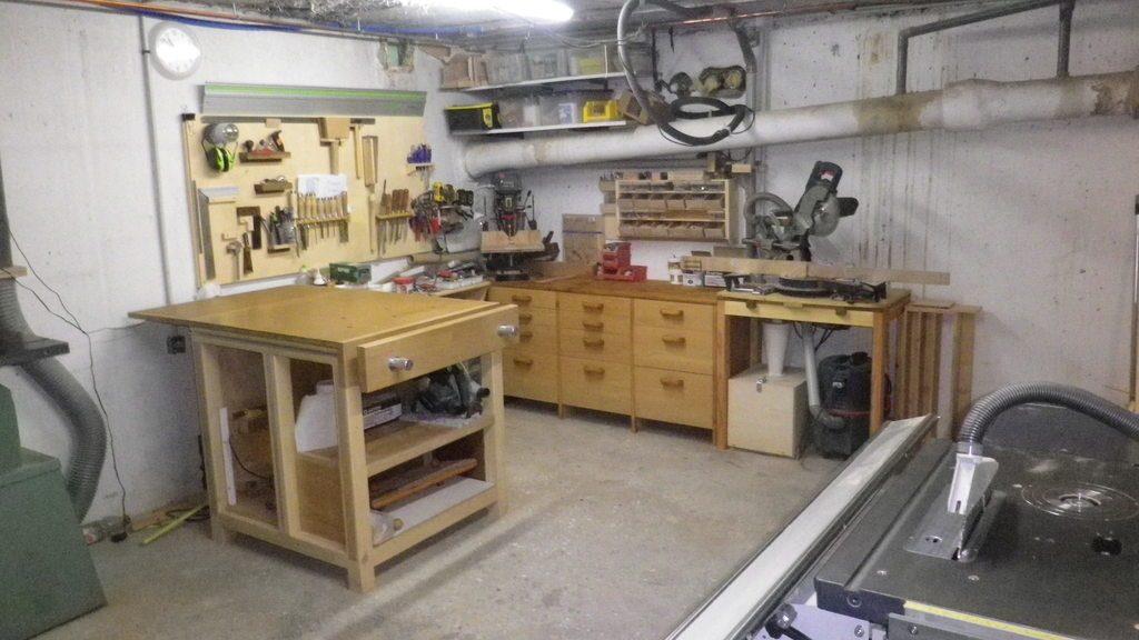 meuble rangement aspirateur